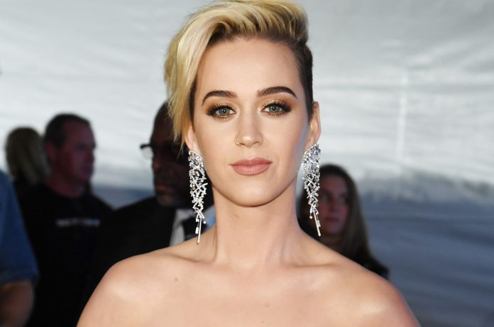 Katy Perry pode vir ao Brasil para março de 2018