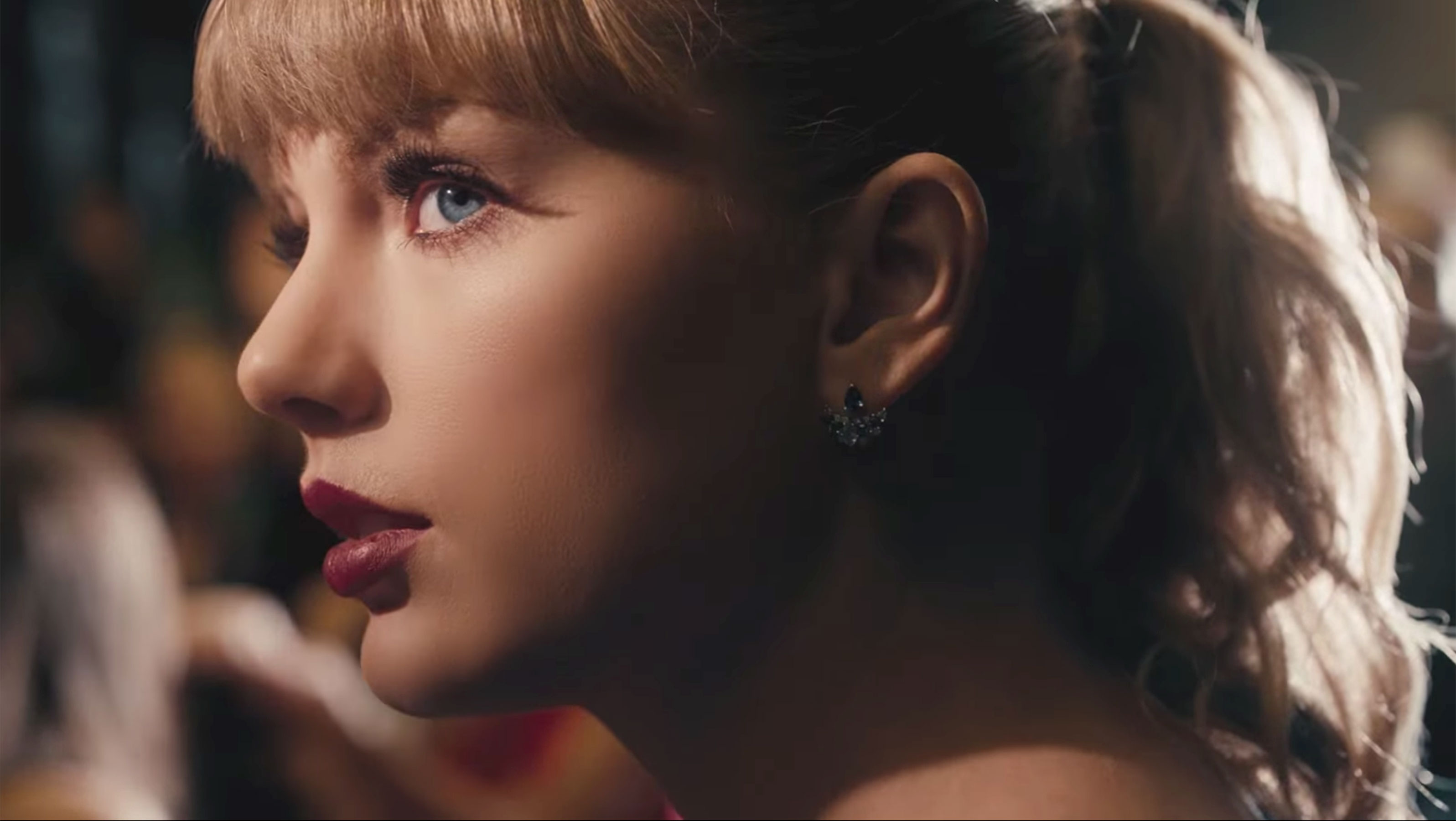 Taylor swift delicate tommo taylor swift delicate stopboris Image collections